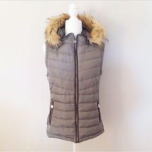 YMI Grey Vest with Removable Faux Fur Hood Size L